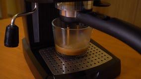 Espresso καφέ στη δράση απόθεμα βίντεο