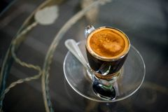Coffee cup on table Royalty Free Stock Images
