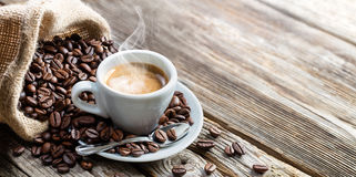 Free Espresso Coffee Cup With Beans Stock Photography - 90374872