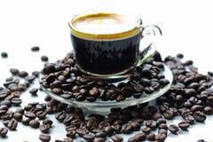 Espresso en geroosterde koffie op ochtend royalty-vrije stock fotografie