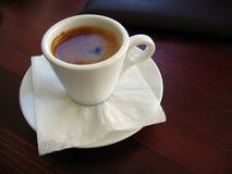 Espresso - Thema des dunklen Brauns stockbilder
