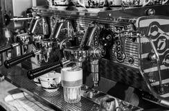 Espressomaskin BW Royaltyfri Bild