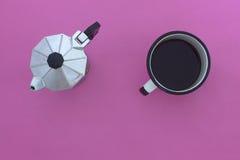 Espressopot en koffiekop Stock Foto's