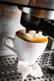 Espressovorbereitung stockfotografie