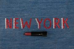 Esprima New York, fatta dei cristalli di rocca, encrusted su denim Modo del mondo Fotografia Stock Libera da Diritti