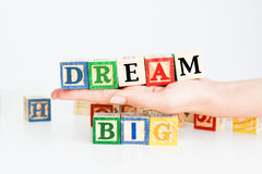 """Esprime il  del big†del """"dream compitato con i cubi di legno della lettera Immagine Stock Libera da Diritti"""