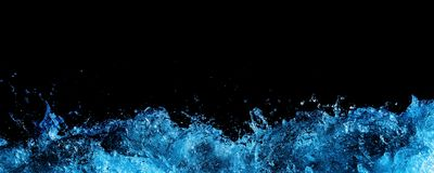 Espuma da água sobre o preto Imagens de Stock