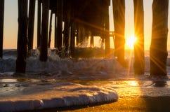 Espuma del mar en la luz del sol Fotografía de archivo