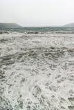 Espuma del mar en una tormenta fotos de archivo libres de regalías