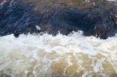 Espuma dos becoms da água imagens de stock