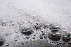 A espuma ensaboa grandes bolhas imagens de stock