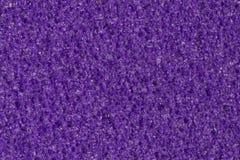 Espuma violeta oscura, textura de EVA con la superficie porosa del contraste imagenes de archivo