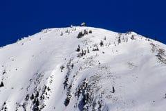 Esquí abajo de la montaña Snoqualme Washington Nevado Fotos de archivo libres de regalías