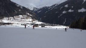 Esquí alpino, tiro estabilizado del POV almacen de metraje de vídeo