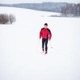 Esquí a campo través del hombre joven Fotografía de archivo libre de regalías