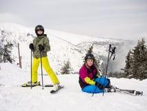 Esquí del adolescente y del muchacho Imagen de archivo