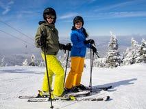 Esquí del adolescente y del muchacho Fotografía de archivo