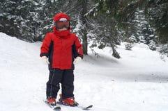 Esquí del niño - colocándose Imagen de archivo
