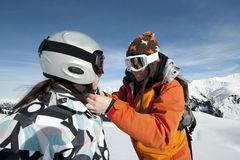 Esquí del niño y casco de seguridad Imagen de archivo libre de regalías