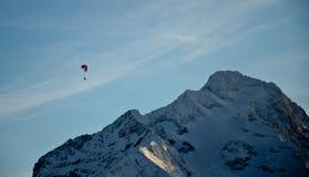 Esquí en el cielo fotografía de archivo libre de regalías