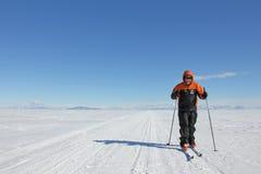 Esquí en el hielo marino en la Antártida Imagenes de archivo