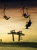 Esquí en la puesta del sol Fotografía de archivo libre de regalías