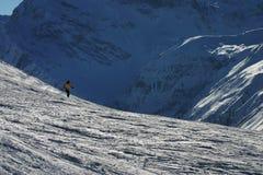 Esquí en las montañas suizas fotografía de archivo libre de regalías