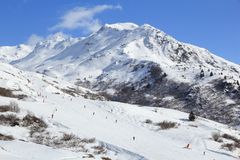 Esquí francés de las montañas Fotografía de archivo