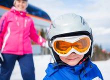 Esquí, invierno, familia Imagen de archivo libre de regalías
