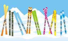 Esquís en la nieve Fotos de archivo libres de regalías
