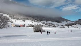 Esquí de fondo Abruzzi Italia almacen de metraje de vídeo
