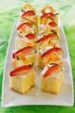 Esquadre mini bolos de esponja Fotos de Stock Royalty Free