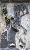 Esqueleto del baile en piedra Imagen de archivo libre de regalías