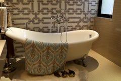 Esquema creativo del diseño del cuarto de baño del apartamento fotografía de archivo