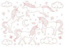 Esquema exhausto de los unicornios de la historieta del vector de la mano fijado aislado en el fondo blanco Criaturas mágicas con libre illustration
