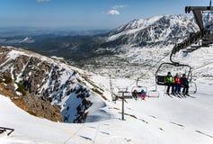 Esqui da mola em montanhas de Tatra no Polônia Foto de Stock