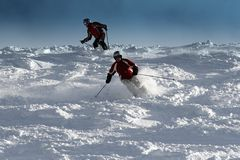 Esqui do pai e do filho fotografia de stock