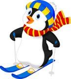 Esqui dos desenhos animados do pinguim Fotografia de Stock Royalty Free