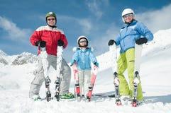 Esqui, neve, sol e divertimento Fotografia de Stock Royalty Free