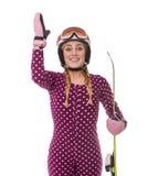 Esquiador atractivo de la muchacha en el fondo blanco imagenes de archivo