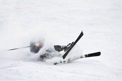 Esquiador de queda. imagem de stock royalty free