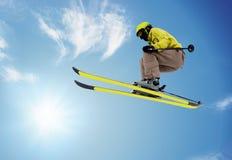 Esquiador de salto Imagenes de archivo