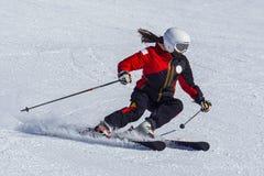 Esquiador en las montañas italianas fotografía de archivo