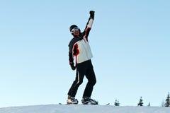 Esquiador en montañas Fotos de archivo libres de regalías