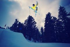 Esquiador extremo Imagen de archivo libre de regalías