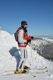 Esquiador joven listo Imagen de archivo