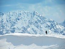 Esquiador solo Foto de archivo libre de regalías