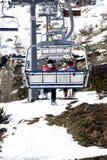 Esquiadores na telecadeira Foto de Stock
