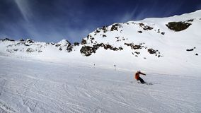 Esquiando na geleira de Pitztal, cumes de Otztal, Áustria imagens de stock royalty free