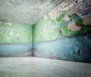 esquina 3d del interior concreto del viejo grunge stock de ilustración